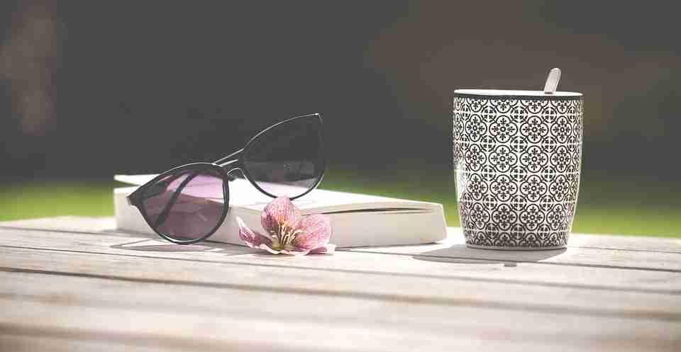 ¿Nos protegen igual las gafas de sol de óptica que las de tiendas de ropa o mercadillos?